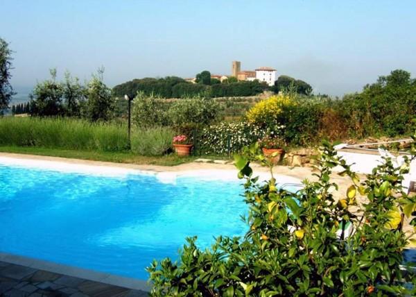 la piscina e Montevettolini