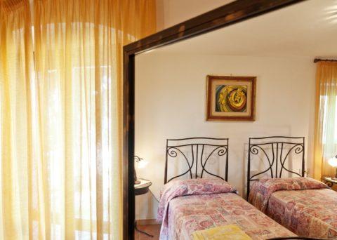 chambre double / deux lits rez de chaussée côté sud-est